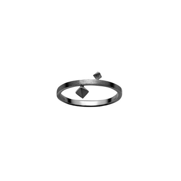 zöl – Zöl, pyramide ring, oxyderet - størrelse - 51 på superlove