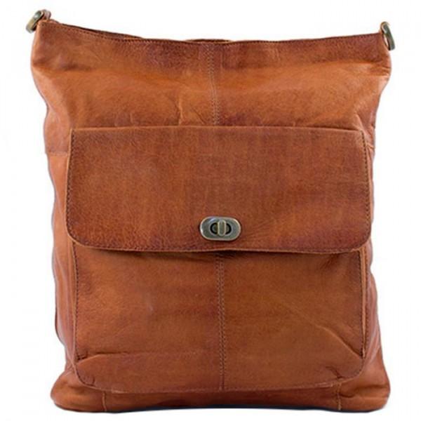 redesigned – Redesigned taske, 1656, valnød fra Edgy