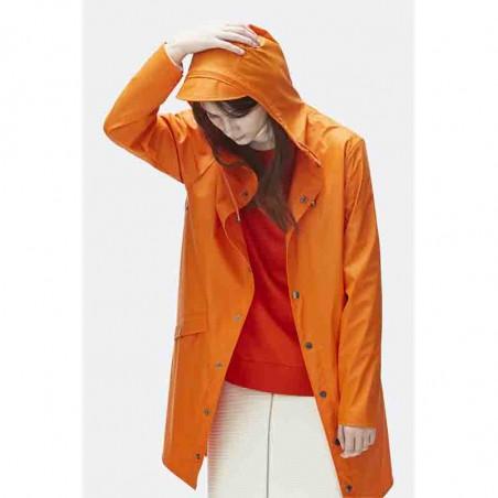 Rains Regnjakke, Lang, Fire Orange på model
