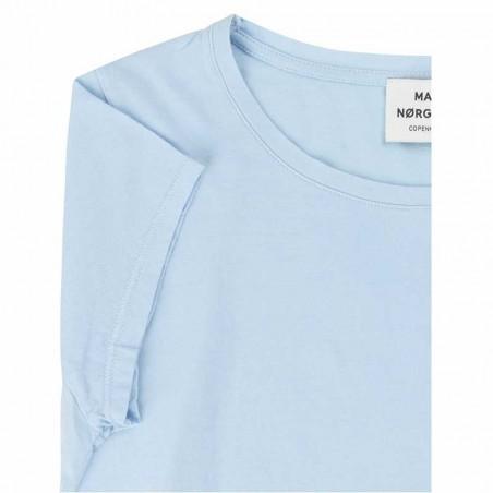 Mads Nørgaard T Shirt, Teasy, Light Sky detalje