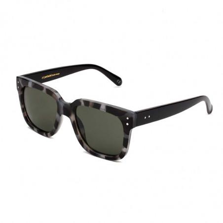 A Kjærbede Solbriller, Fancy, Hornet side