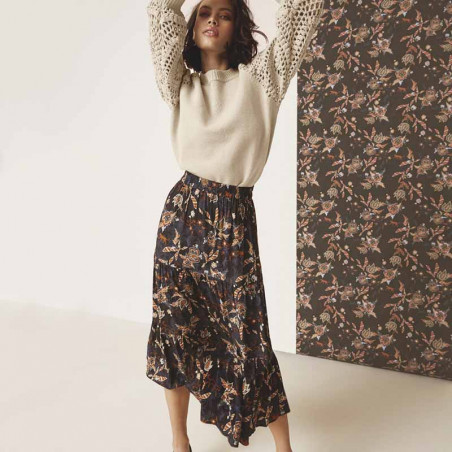 Minus Nederdel, Birla, Dark Floral Print - Model