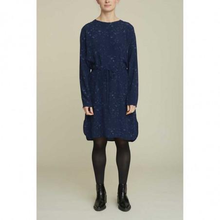 Basic Apparel Kjole, Nicola, Winter Blue, model, blå kjole