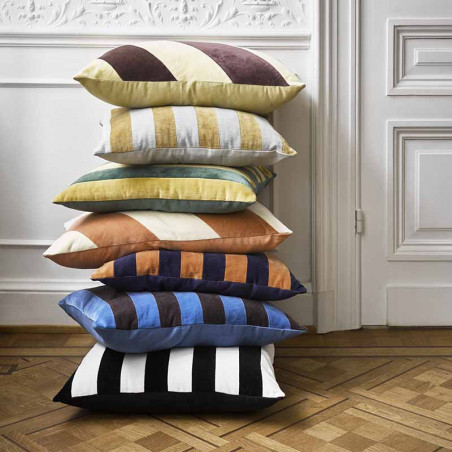 HK Living pude, striped cushion velvet 50x50, blue/orange, model, pyntepude