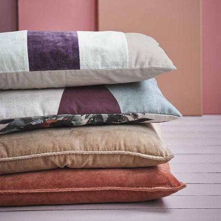 HK Living Pude, Velvet Cushion 30x60, Mint/Cherise, modelbillede, pyntepude
