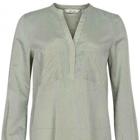 And Less Skjorte, Alorieaa, Olive, skjortebluse, detalje
