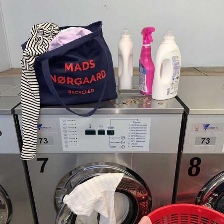 Mads Nørgaard Net, Athene Boutique Bag, Navy/Red, indkøbsnet, mulepose, model