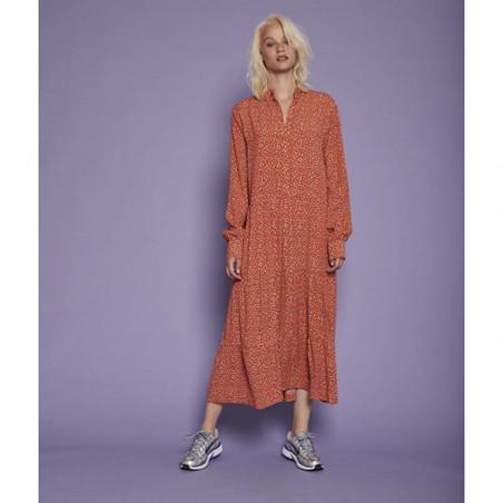 Six Ames Kjole, Coleen, Dot Heaven six ames tøj ecovero på model