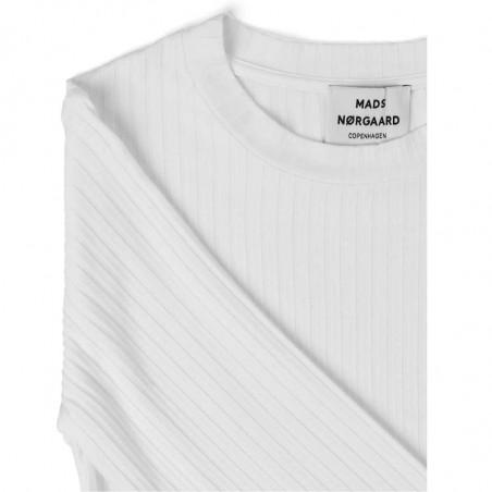Mads Nørgaard T-shirt dame, Tuba, Hvid Mads Nørgaard bluse Mads Nørgaard bluser mads nørgaard langærmet t-shirt detalje