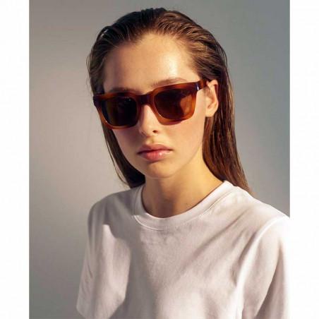 A Kjærbede Solbriller, Nancy, Demi Brown - Model