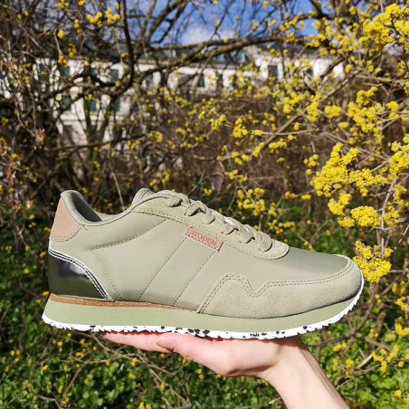 Woden Sneakers, Nora II, Dusty Olive i parken