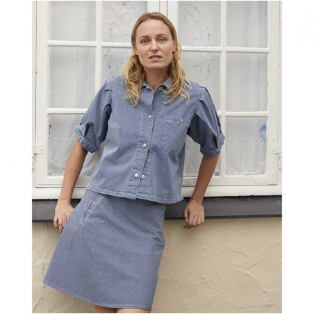 Mads Nørgaard Skjorte, Sassie Stripe, Blue/White på model