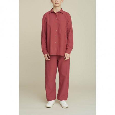 Basic Apparel Skjorte, Joan, Earth Red på model