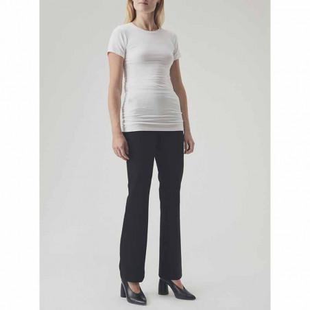 Modström T Shirt, True, White Modstrøm t-shirt hvid på model