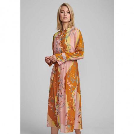Nümph Kjole, Nukyndall Dress, Buck Brown numph kjole Nümph kyndall kjole på model