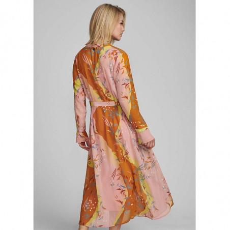 Nümph Kjole, Nukyndall Dress, Buck Brown numph kjole på model bagfra