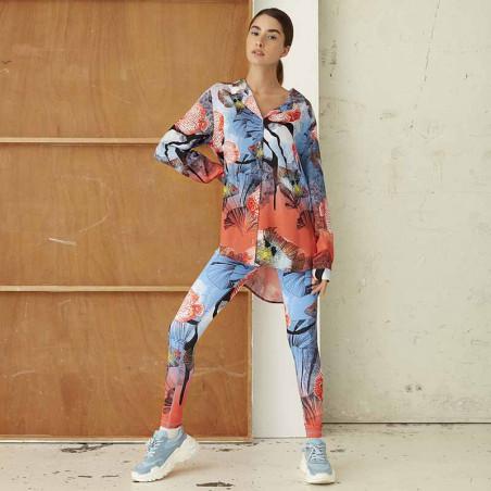 Hunkøn Skjorte, Wanda, Fish Art Print shirt dame på model forfra helfigur