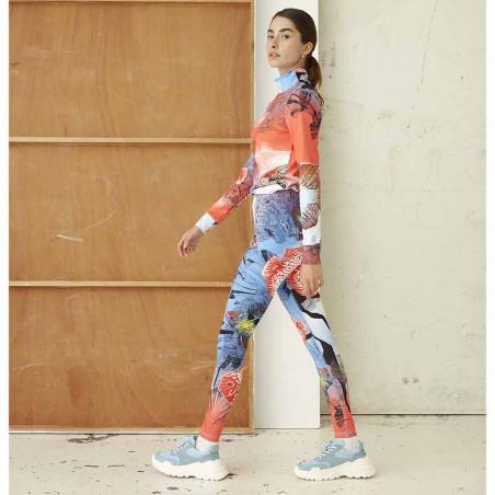 Hunkøn Bukser, Wana Yoga Legging, Fish Art Print dame på model fra siden