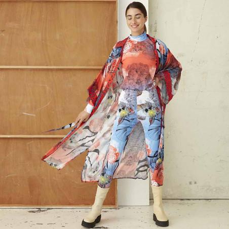 Hunkøn Kimono, Wanda, Fish Art Print dame på model forfra åben