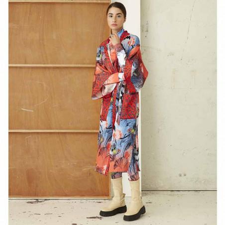 Hunkøn Kimono, Wanda, Fish Art Print dame på model forfra