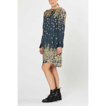 PBO Kjole, Salvo, Blue Print dress dame festkjole hverdagskjole på model