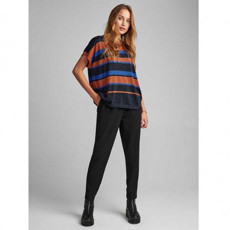Nümph Bluse, Nubelinda Darlene, Leather Brown Numph tøj Nümph fashion på model