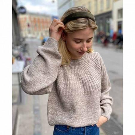 Modström Strik, Truce O-neck, Beige Melange Modstrøm Sweater på model