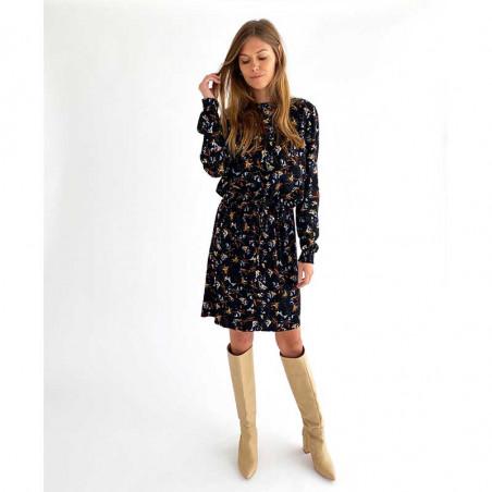 Minus Kjole, Jessica. Graphic Winter Garden Minus fashion på model