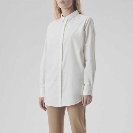 Modström Skjorte, Arthur, Off White Modstrøm hvid skjorte på model