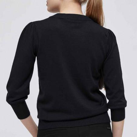 Minus Bluse, Mersin pullover black på model ryg minus strik