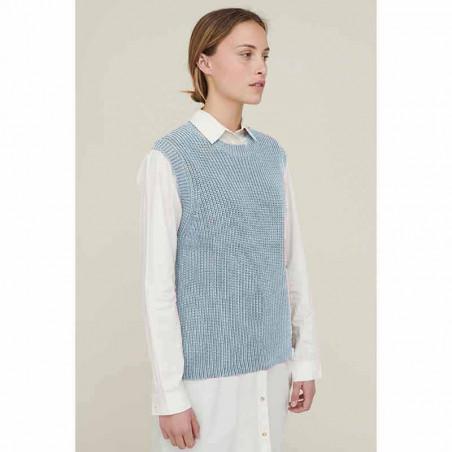 Basic Apparel Vest, Sweety, Cashmere Blue Strik Vest model