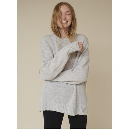 Basic Apparel Strik, Marnie O-neck, Light Grey Mel Basic Apparel sweater på model