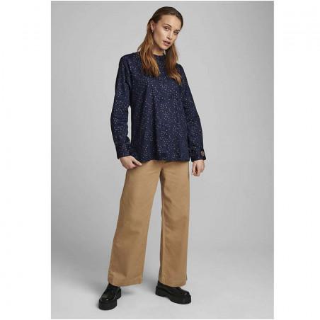Nümph Skjorte, Nuchara, Dark Sapphire Numph shirt på model look