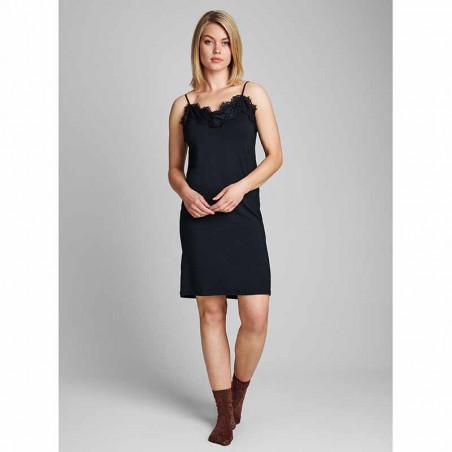 Nümph Underkjole, Nubowie Long Singlet, Caviar Numph kjole på model look