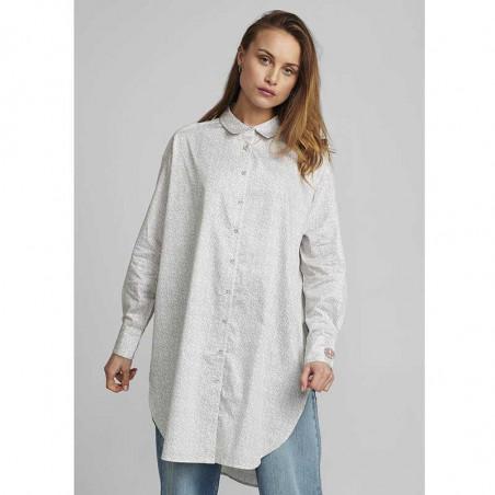Nümph kjole, Nucaila, Tannin numph oversize skjorte på model