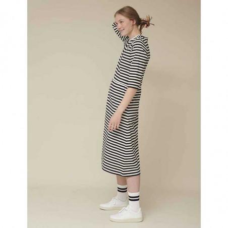 Basic Apparel Kjole, Elba dress, Black-Off White stribet jerseykjole.