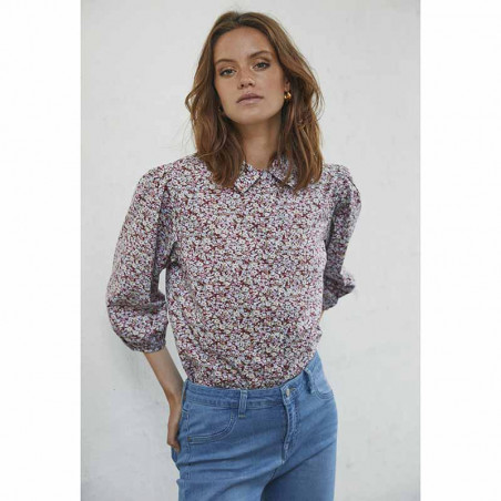 Minus Bluse, Rasmina Shirt, Pink Flower Print på model