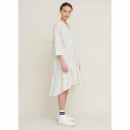 Basic Apparel Kjole, Abby Dress Dot, Off White/Black på model fra siden