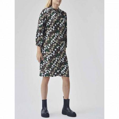 Modström Kjole, Harlow Print Dress, Blossom Field Modstrøm kjole på model