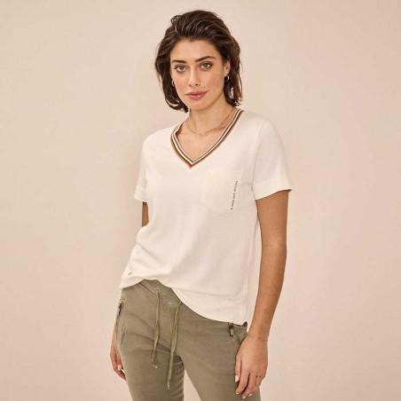 Mos Mosh Bluse, Marilyn V Sweat Tee, Ecru MosMosh t-shirt på model