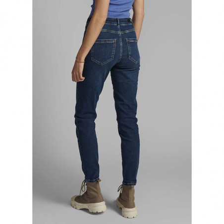 Nümph Jeans, Nucanyon, Medium Blue Denim numph bukser på model set bagfra