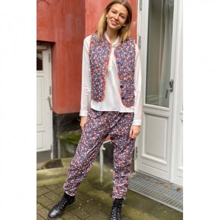 Lollys Laundry Vest, Santiago, Red Flower Print bill pants