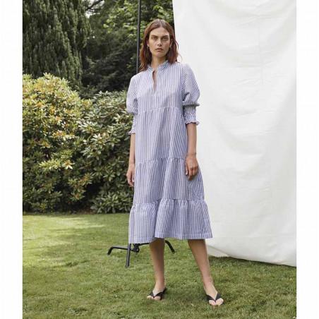 Six Ames Kjole, Lise Dress, Night Sky på model
