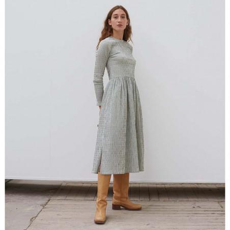 Mads Nørgaard Kjole, Docca Crinckle Pop, Army/Off White Mads Nørgård kjole på model