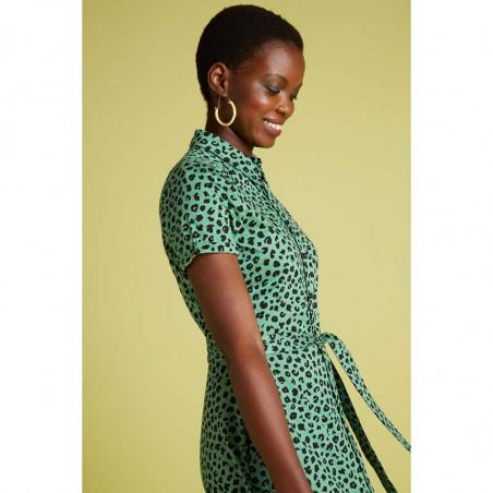 King Louie Kjole, Olive Bobcat Dress, Neptune Green Kinglouie jersey kjole på model detalje