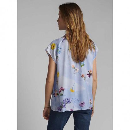 Nümph Bluse, Nucuba blouse, Wedgewood Numph top på model set bagfra