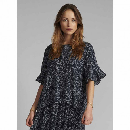 Nümph Bluse, Nucourtney blouse, Dark Sapphire Numph top på model