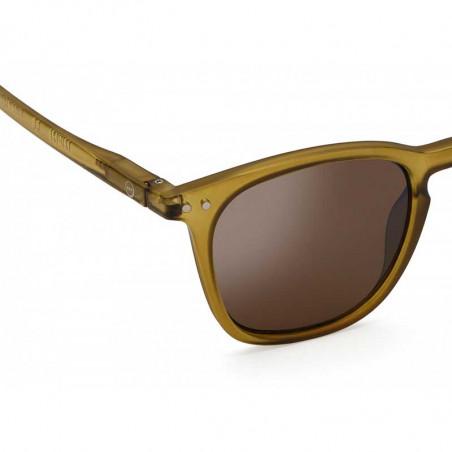 Izipizi Solbriller, E Sun, Bottle Green, briller fra Izipizi, solbriller med firkantede glas, detalje