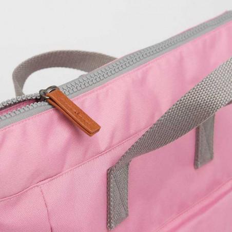 Roka Rygsæk, Bantry B Sustainable Medium, Antique Pink Roka London Bæredygtig rygsæk detalje