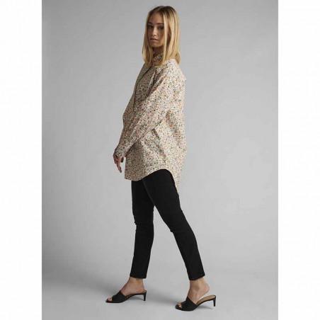 Nümph Skjorte, Nucharlotta, Brazillian Sand numph bluse - blomstret skjorte fra Nümph på model look